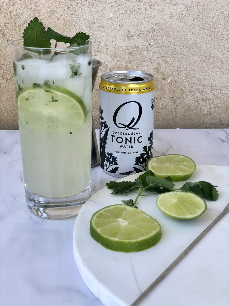 An easy & delicious cocktail with lime and mint